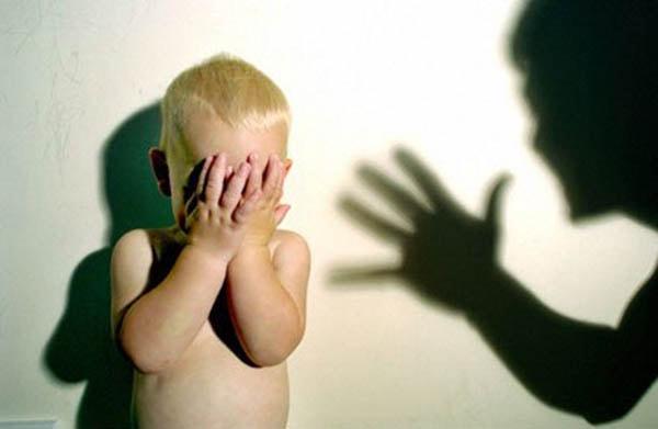 7 tác hại khủng khiếp không ngờ khi dạy con bằng đòn roi